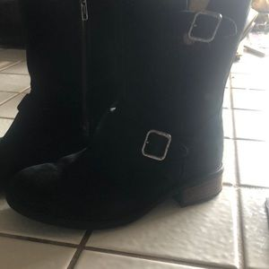Uggs suede zip up the side mid calf boots